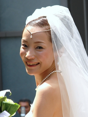 ドレスに合う花嫁の髪型 ...