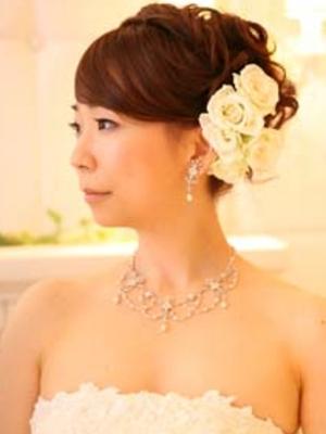 花嫁ヘアスタイル:アップスタイルのヘアカタログ画像