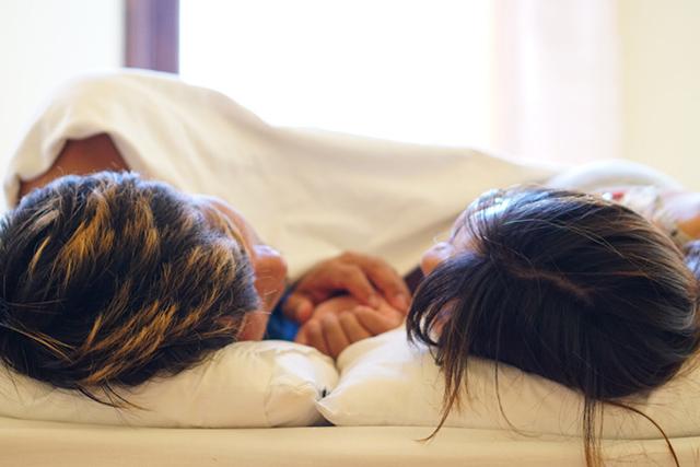 【女性編】腕枕のお悩み&解決のコツ