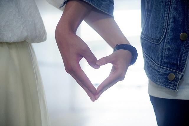 ダイヤのみの婚約指輪のメリット