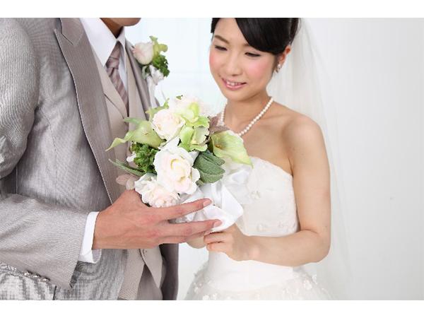 あなたが結婚式で使いたいと思う曲は?