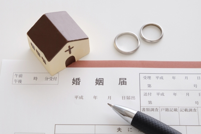 プロポーズ〜婚約〜結婚までの流れ