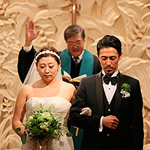 679ac8b9ef297 豊かな緑に囲まれた白金の邸宅で… 白金 アートグレイスクラブの結婚式 ...