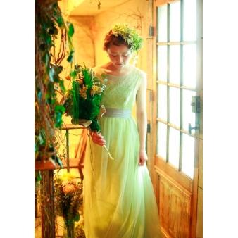 Simply Red(シンプリーレッド):【淡緑ドレス】当店にしかない大人花嫁を演出するスモーキーカラードレス!