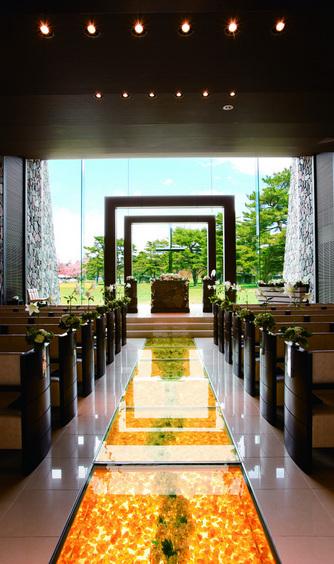 d2314f406996e 軽井沢の自然に包まれる誓いの空間を、グランドフェスタの模擬挙式で体感 ...