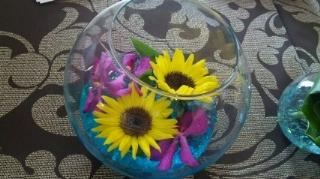 詳細はまた後程・・笑8月もますます暑い毎日が続きそうですが、これからの季節目で見て涼しくなるような会場装花がおすすめです!(^^)!先日のブライダルフェアで、総合