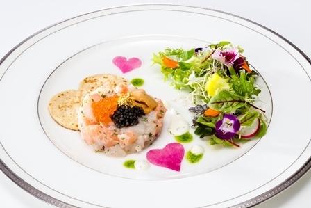 帆立貝とサーモンのタルタル 花の菜園仕立て.jpg