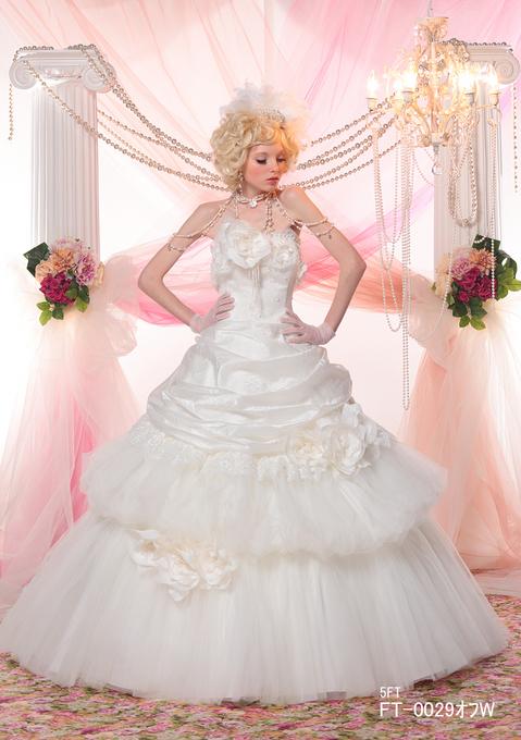 ドレスのポージング~基本姿勢~をマスターしましょう!