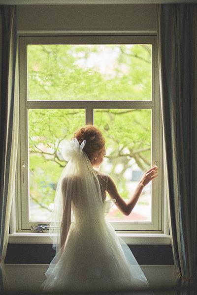 窓ドレス.jpg