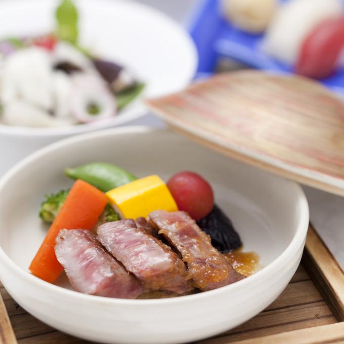 日本料理-12000円フルコース-2_正方形.jpg