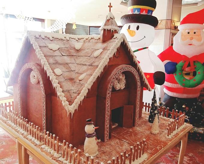 お菓子の教会.jpg