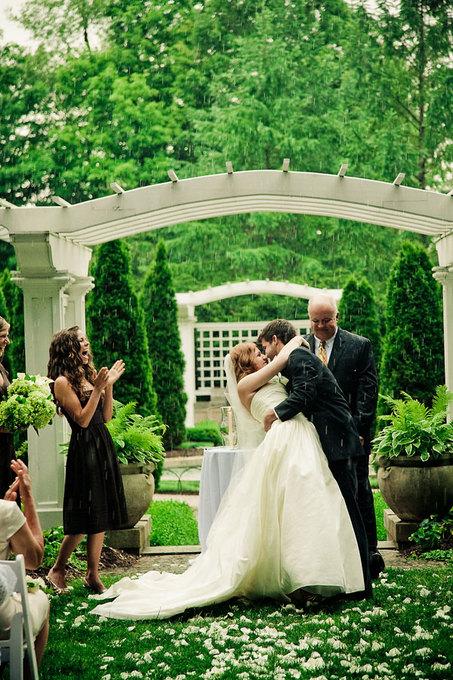 rain-during-wedding-ceremony.jpg