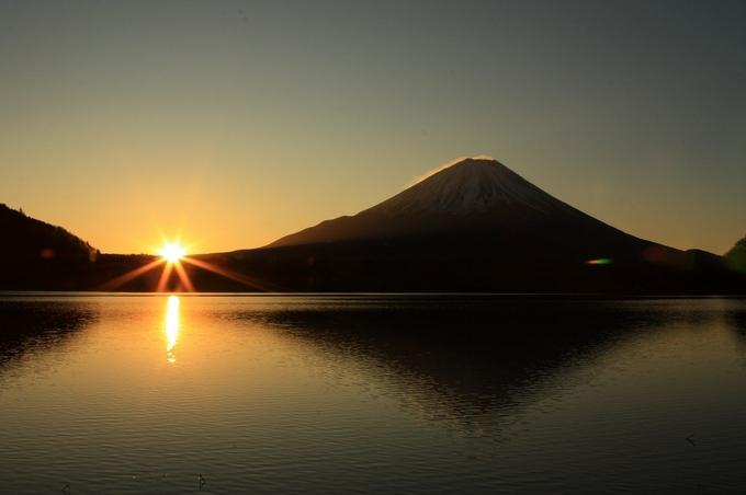 日の出と富士山.jpg