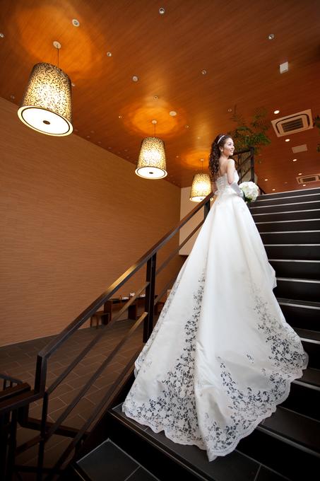 8e3054a28da0b アクアデヴュー佐賀スィートテラスの新着ドレスが30着以上見られる 当日は、たくさんのプロのモデルさんにお越し頂き、 ウェディングドレス、カラードレス、 和装と、