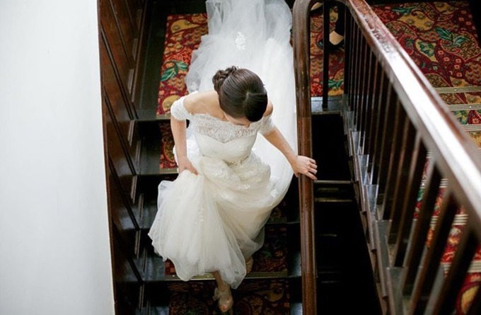 階段上から ドレス.JPG