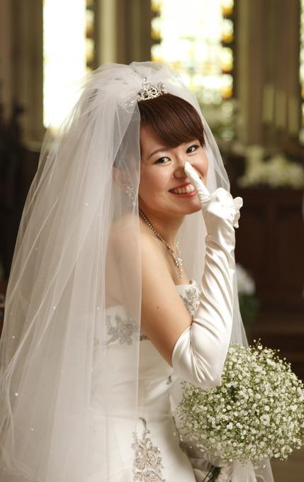 光沢のあるサテン生地のものが多く 結婚式