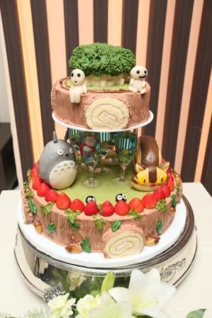 切り株のロールケーキがかわいいトトロの森