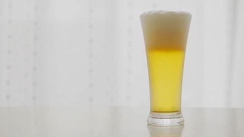 207680074-ビールグラス-泡-注グ.jpg