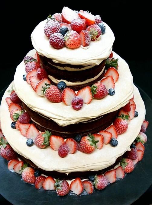 ウェディングケーキ チョコレート
