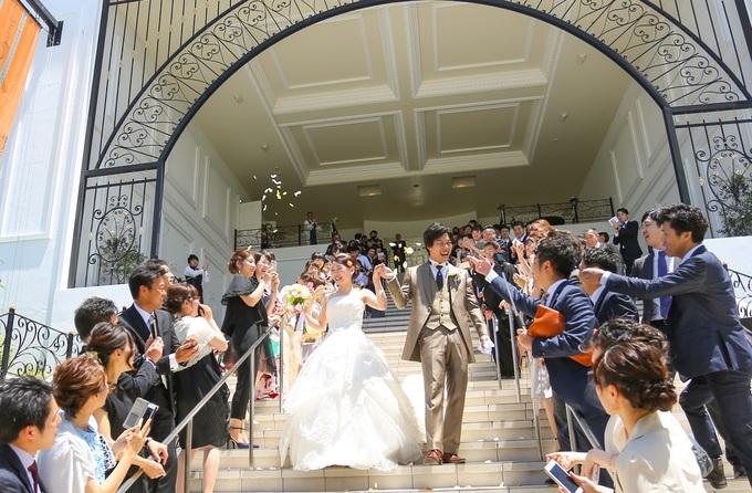幸せのフラワーシャワー♪ララシャンスの大階段で!