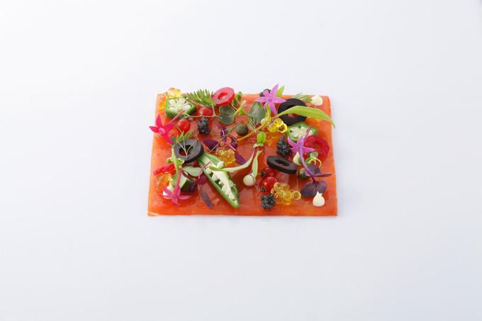 13000-05 前菜 スモークサーモンのプリマベーラ オリーブキャビア 洋.jpg