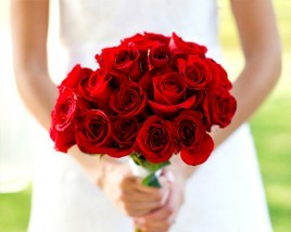 Red-Rose-Christmas-Bouquet-3-268x214.jpg