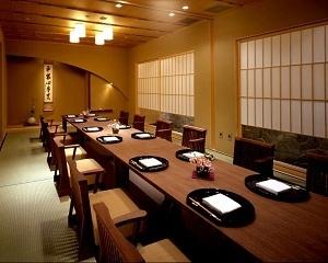 bda8d9a322359 ホテルグランヴィア京都で顔合わせ・結納と言えばココ! というくらい代表的なレストランです。  個室で落ち着いた和の設え、昔ながらの古式ゆかしい結納をご検討頂いて ...
