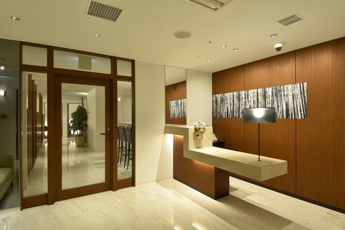 ab9a5c8304e85 明るく清潔感のあるウエディングサロンは、 お客様からもスタッフからも好評です ...