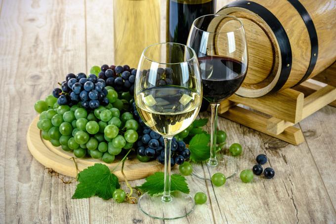 winepublicdomainq-0001946czx.jpg