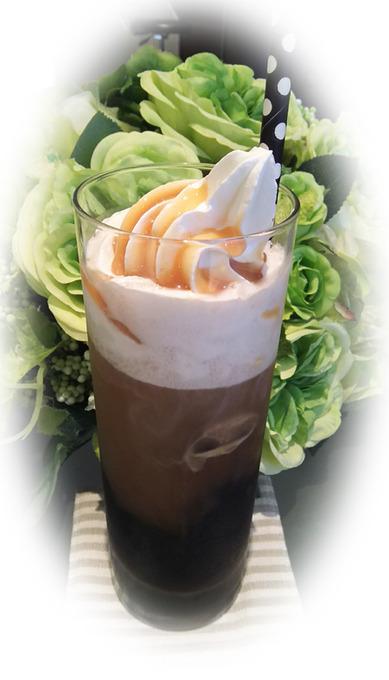 アイスウインナーコーヒー-1.jpg