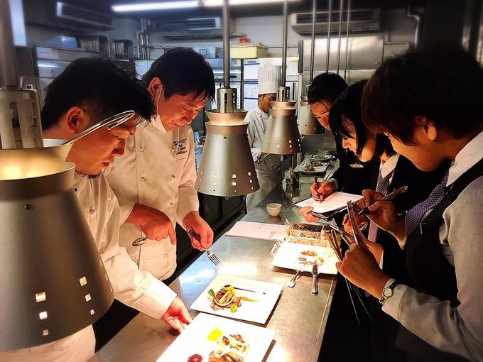 1.8 レストラン試食.JPG