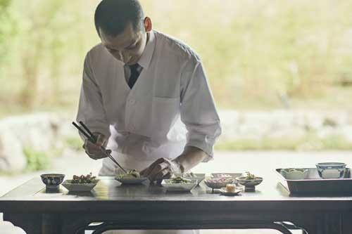 アクア料理スタッフ小1.jpg