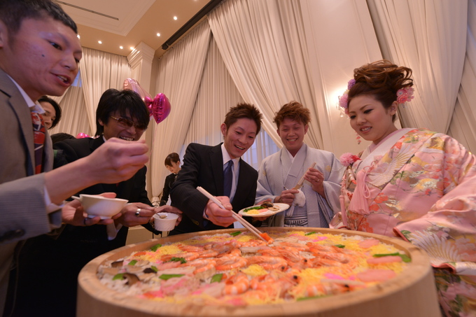 ゲストも参加できる場面があると、結婚式の盛り上がり方も違ってきますよ!