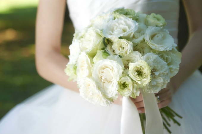 bouquet_and_boutonniere_3.jpg