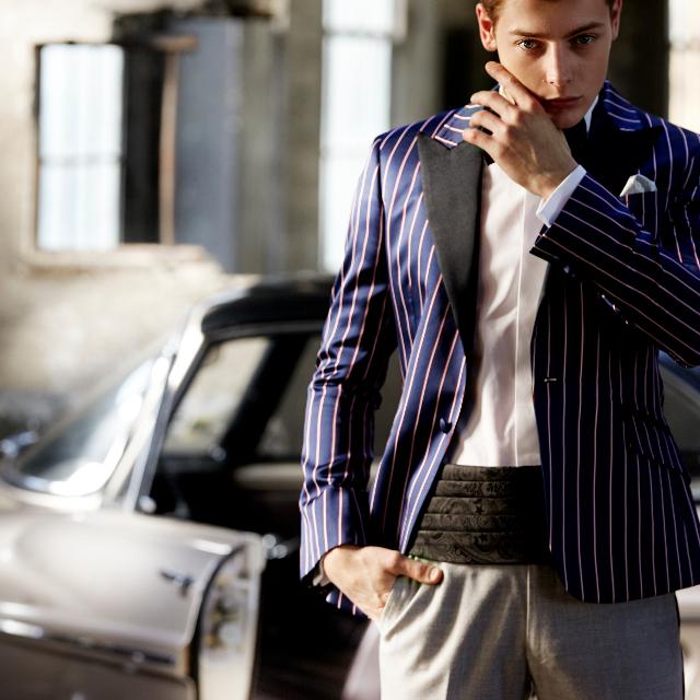 GQとは20代の若手ビジネスマンをターゲットとし、主に、世界的名門ファッションブランドの新作コレクション、高級腕時計などファッション関連、政治・経済、芸能、IT、