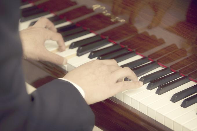 【サプライズのピアノ】